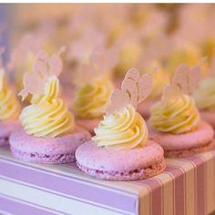 Novidades da @piperinapaperart fizeram sucesso com nossos macarons no @eventocasar ! #maymacarons #macarons #personalizado #nossosmacarons #personalizevocetambem
