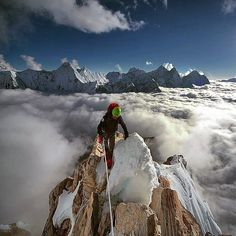 Ama Dablam is a mountain in the Himala. Ama Dablam is a mountain in the Himalaya range of eastern Nepal. Alpine Climbing, Ice Climbing, Mountain Climbing, Camping Sauvage, Himalaya, Everest Base Camp Trek, Escalade, Mountain Photography, Mountaineering