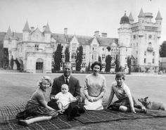 Queen Elizabeth at a Picnic with the Royal FamilyAn extraordinary family enjoying an ordinary picnic on the lawn.