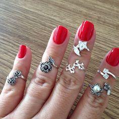 Anéis de falange! #prata #prata925 #aneldefalange #esmaltevermelho www.soffi.com.br