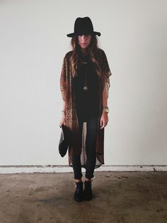 Love this outfit and I don't know why but I am obsessed with hats like this recently!