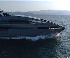 Dalla matita di Norman Foster è nato il megayacht Ocean Emerald. http://www.nuvolari.tv/recensioni--/ocean-emerald
