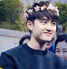 Who put those flowers on D.O's. Head