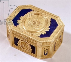Gold and enamelled snuff box, French 18th century / S.J. Phillips, London, UK / The Bridgeman Art Library