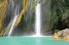Sillans-la-Cascade: Schwimmen vor tropischer Kulisse