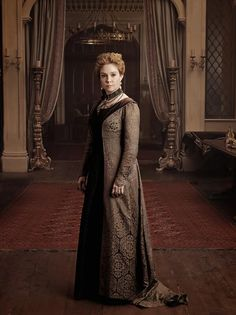 You wish you were Caterina Maria de Medici. Italian She-Devil and Queen of France during the reign of King Henry II. Reign Cast, Reign Tv Show, Mary Queen Of Scots, Queen Mary, Queen Mother, Megan Follows Reign, Reign Catherine, Reign Season 1, Marie Stuart