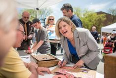 Ontario election 2014: Horwath fires back at critics within NDP | Toronto Star