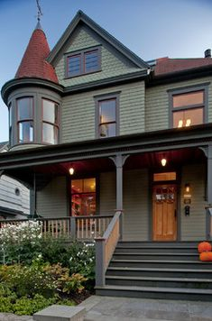 Cheap And Cute Fall Front Porch Decorating Ideas Craftsman - Craftsman style exterior house color combinations for homes