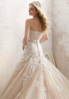 Morilee Wedding Dresses 2017 by Madeline Gardner / http://www.himisspuff.com/morilee-wedding-dresses-2017-by-madeline-gardner/