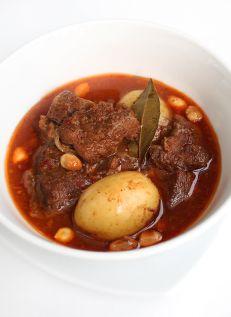 แกงมัสมั่นเนื้อ  Massaman Beef Curry