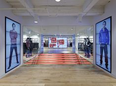 Uniqlo flagship store by Wonderwall, New York #digital #monitor