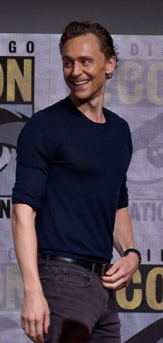 Tom Hiddleston attends the Marvel Studios Presentation during Comic-Con International 2017 at San Diego Convention Center on July 22, 2017. Via Torrilla: https://m.weibo.cn/status/4132668637965513 Larger: https://wx4.sinaimg.cn/large/6e14d388gy1fhtrjg081rj22bc1g1npe.jpg