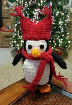 Free penguin pattern from redheart yarn.