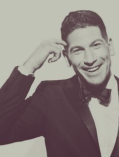 Jon Bernthal gets a second pic on this board cause this is just so adorable!