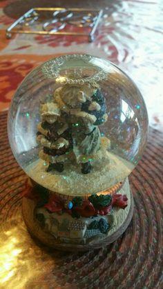 Christmas Snow Globe Music Box Santa Claus/kids *WE WISH YOU A MERRY CHRISTMAS* #Unbranded