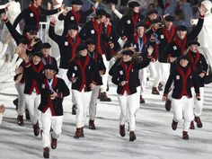 Closing Ceremony, Winter Olympics Vancouver 2010 - see anyone you recognize? First Winter Olympics, Winter Olympic Games, Olympic Athletes, Olympic Team, Canadian Clothing, Us Olympics, Nike Design, Team Apparel