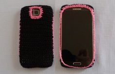Crochet Phone Cover. Free Pattern!  I have been looking for a pattern like this forever, I hope it can be adapted easily for Iphone.