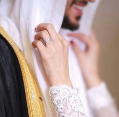 couple muslim wedding dresses Beautiful Story Of A Married Couple - Hijab Fashion Inspiration Indian Wedding Couple Photography, Bride Photography, Arab Wedding, Wedding Couples, Arab Men Fashion, Islam Marriage, Cute Muslim Couples, Wedding Rituals, Bridesmaid Inspiration