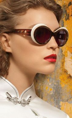 543b4056aac The Top 5 Trending Sunglasses Youre Going to See on Everyone This Spring  https