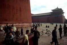 Forbidden City, 1973 ©Bruno Barbey