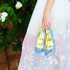 This lovely @freyaroseshoes is something blue we've been looking for!Photo: @thesloaney