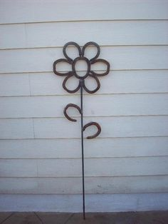 re-use horse shoes