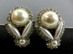 Lovely Drop shaped Pearl Earrings 1960s Italy by RAKcreations