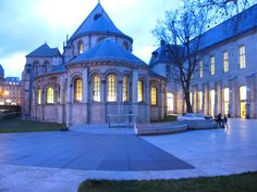 Museum of 'Arts et Metiers' in Paris - a former 13th century #Gothic priory church. Pretty at night.