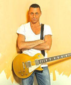 Alex Britti in concerto all'Arenile di Bagnoli | Report Campania