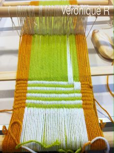 Veronique R: Tejido peinecillo (3ª clase) Telar Mapuche Ideas Para, Weaving, Rugs, Home Decor, Weaving Looms, Yarns, Tapestries, Free Pattern, Diy