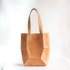Gorgeous - Natural Leather Tote by CrowSLC on Etsy Natural Leather, Tan Leather, Leather Totes, My Bags, Purses And Bags, Crea Cuir, Leather Bags Handmade, Stitching Leather, Leather Projects
