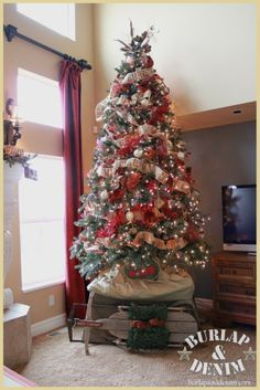 Christmas Tree Love The Burlap That Says Merry Which She Made Using Easy Gardener 4 Strip In A Roll 20 Bucks Available