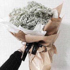 """""""주문 레슨문의 Katalk ID vanessflower52 #vanessflower #vaness #flower #florist #flowershop #handtied #flowergram #flowerlesson #flowerclass #바네스 #플라워 #바네스플라워…"""""""