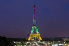 eifel tower lit for mandela | Eiffel Tower lit up in the colours of the South African flag in honour ...