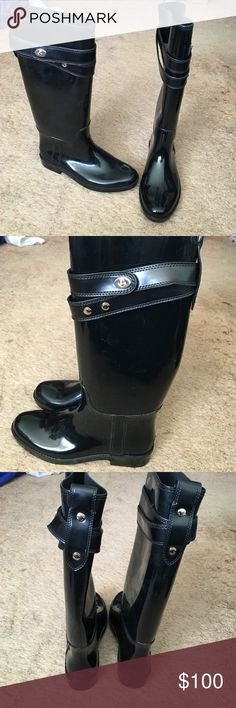 """Coach 'Talia' Rainboot Size 7 Rubber Rubber sole Circumference at calf: 15.2"""". Brand new. Never worn Coach Shoes Winter & Rain Boots"""