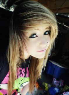 i want my hair like this... i'd do it exactly how i  do it now... just with short parts and more teasing OMFG PLZ?