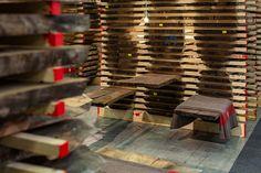 Messestand des Girsberger Massivholzhandels bei der Messe Holz 19 in Basel - Standdesign  Schreinerträume werden wahr!  #girsberger #girsbergermassivholz #massivholz #massivholzhandel #möbelholz #standdesign #messestand #holz19 #fairstand Standdesign & Fotos: André Bolliger Basel, Jenga, Event Design, Photos, Solid Wood, Floor, Timber Wood