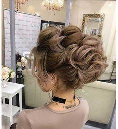 Unglaubliche Updo Frisur Ideen für langes Haar