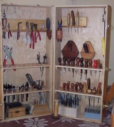 leather tool storage. I need this Perfect for setting up at the kitchen table and working and then cleaning up to keep the wife happy!!!  Happy Wife Happy Life...