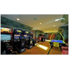 Game room ❤ liked on Polyvore featuring house, home, pictures, casa and rooms