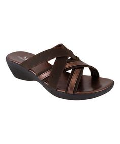 A durable sole clings to the ground, ensuring slip-free steps. T Strap Sandals, Gladiator Sandals, Winter Collection, Slippers, Footwear, Bronze, Beige, Heels, Usb