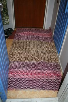 Rag Rugs, Recycled Fabric, Woven Rug, Scandinavian Style, Carpets, Pattern Design, Bliss, Hand Weaving, Recycling