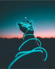 Entre la oscuridad, hay una luz que ilumina al que quiere triunfar en la vida