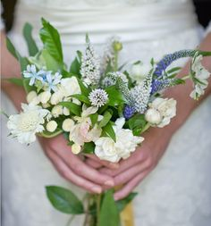 Google Image Result for http://bouquet-bouquet.com/wp-content/uploads/2011/10/wildflower_wedding_bouquet-e1317947684412.jpg