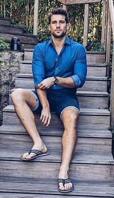 Spring Outfit in Flip Flops Bare Men, Flipflops, Barefoot Men, Preppy Men, Mens Flip Flops, Herren Outfit, Male Feet, How To Roll Sleeves, Hot Men