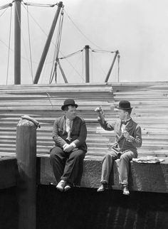 Stan Laurel and Oliver Hardy Laurel And Hardy, Stan Laurel Oliver Hardy, Comedy Duos, Comedy Films, Lauren Hardy, Funniest Pictures Ever, Sound Film, Great Comedies, Abbott And Costello