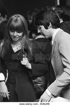 Paul McCartney of the pop group The Beatles with girlfriend Jane Asher January 1968 - Stock Image