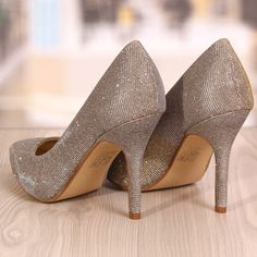 Pantofi Stiletto Rebecca Aurii Cod: 773 Cod, Stiletto Heels, Shoes, Fashion, Moda, Zapatos, Shoes Outlet, Fashion Styles, Cod Fish