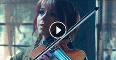 """Lindsey Stirling Performs Fabulously Whimsical """"Into The Woods"""" Medley"""