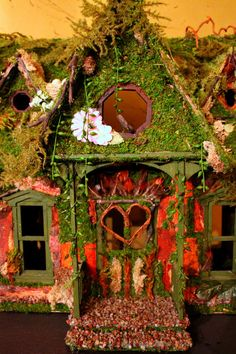 Fairy House (Moss Roof)